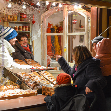 This year 2016, most of the Christmas markets start on Nov 25