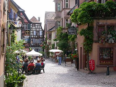 From Spring to late in the Fall, weather permitting, many pleasant terraces appear in the streets of Riquewihr. Nice places to sit and sip local wine or beer!